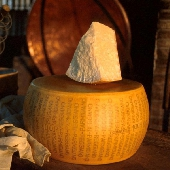 Parmigiano Reggiano Vacche Rosse (milk from the red cow) matured 48 months
